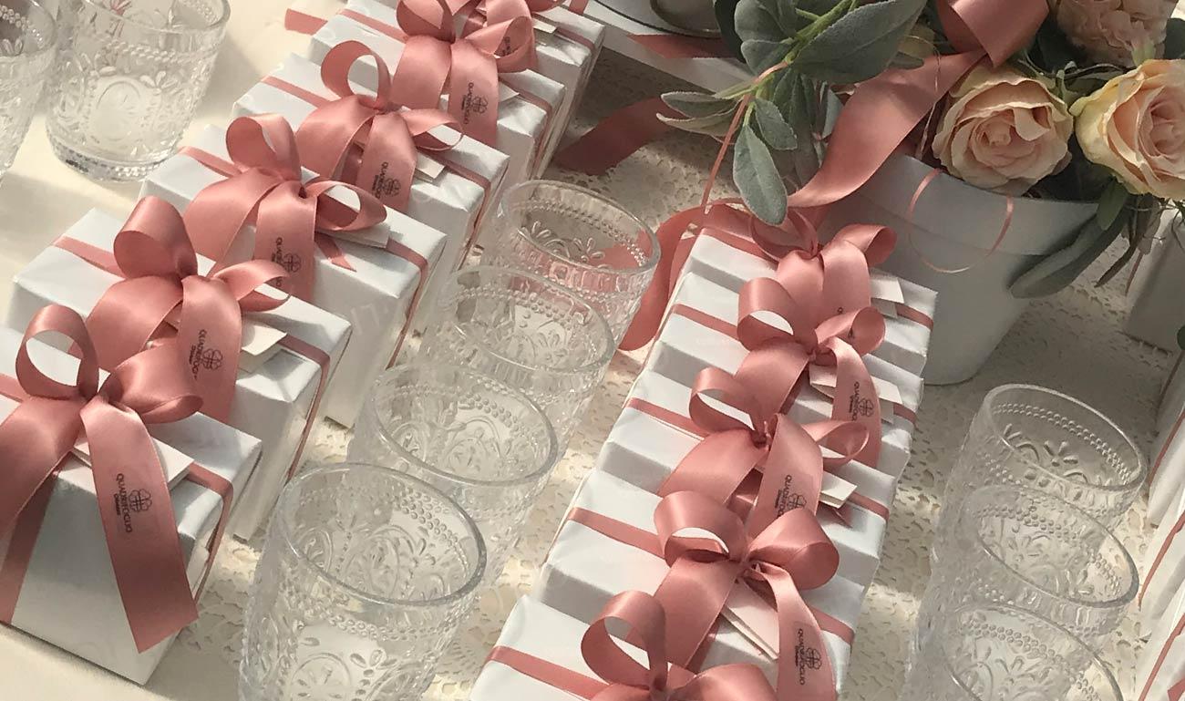 Bomboniere-quadrifoglio-nastro-rosa