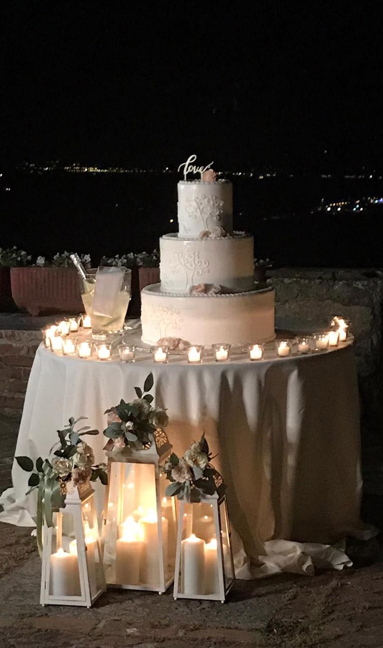 allestimento-taglio-torta-quadrifoglio-liste-nozze-2