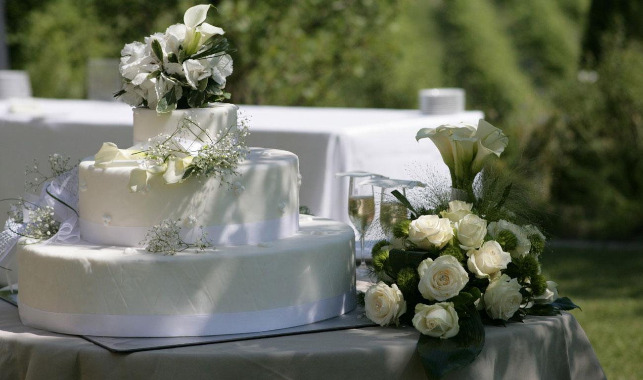 allestimento-taglio-torta-quadrifoglio-liste-nozze-8